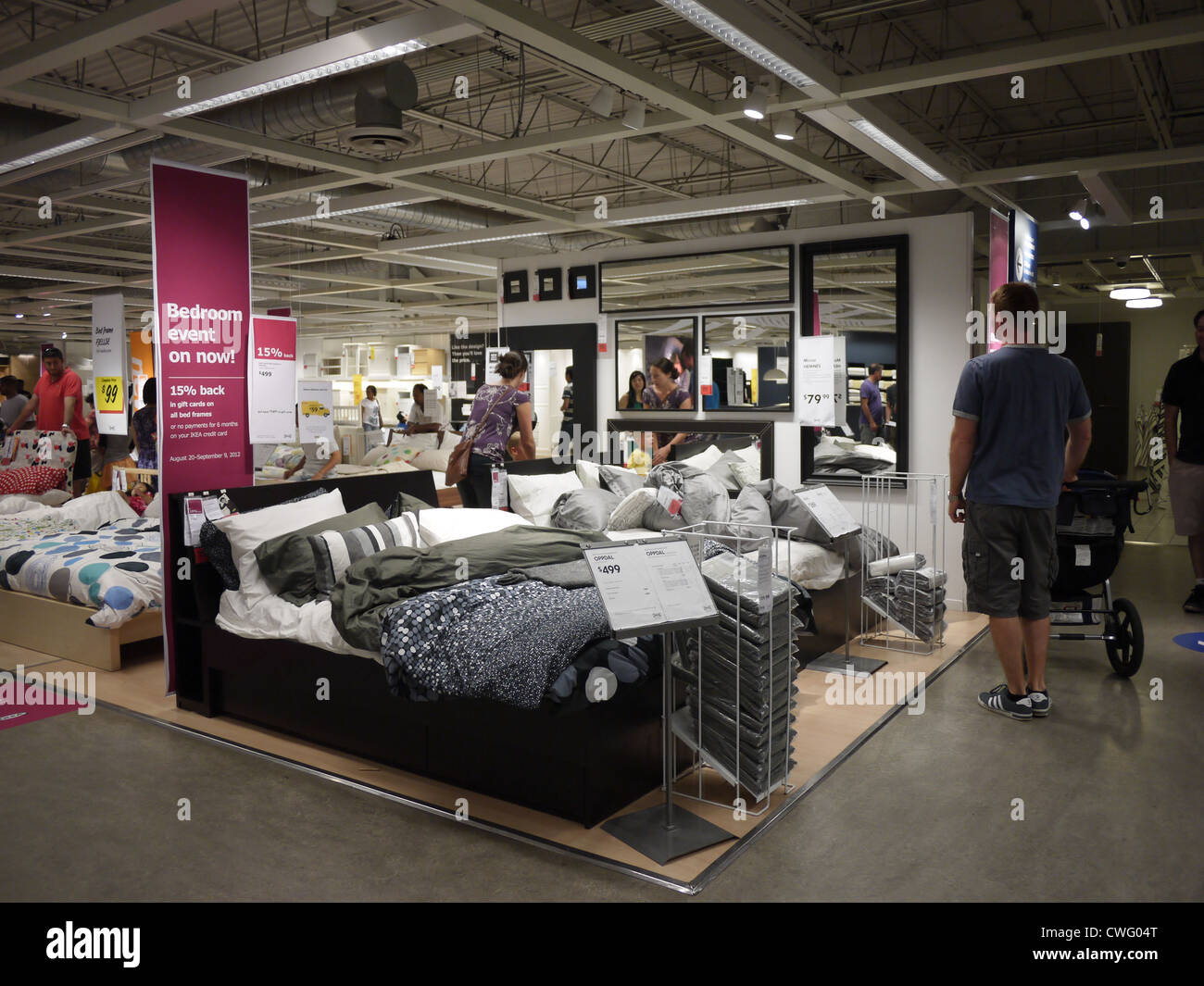 Bedroom furniture shopping customers showroom ikea stock for Couch shopping