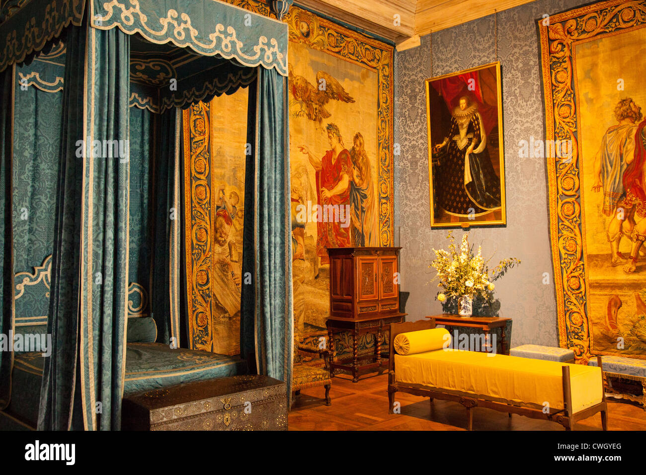 Bedroom of Francis I, and later of Maria Theresa, wife of King ...