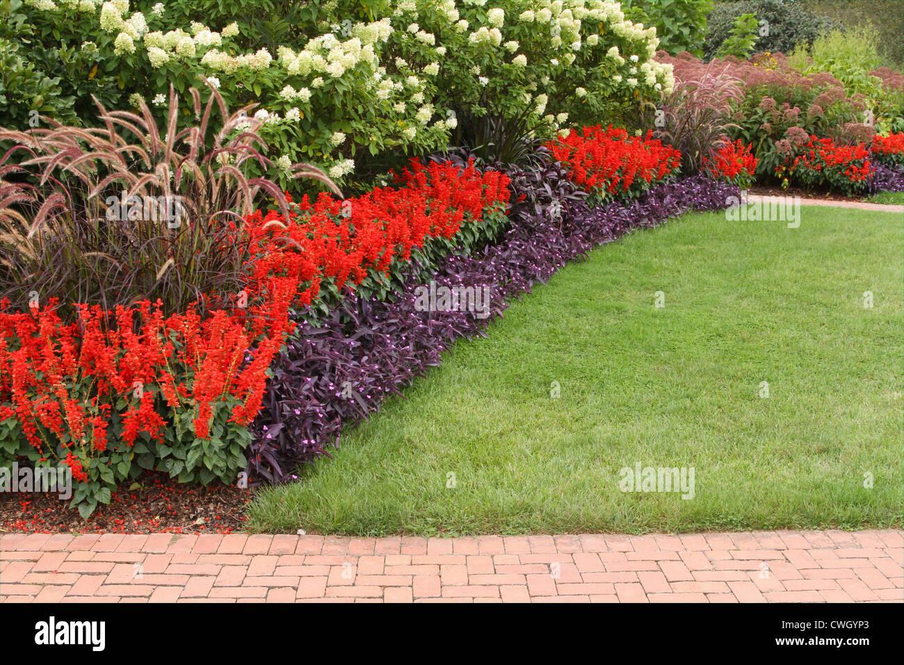 Professional landscaping kingwood center mansfield ohio for Professional landscaping