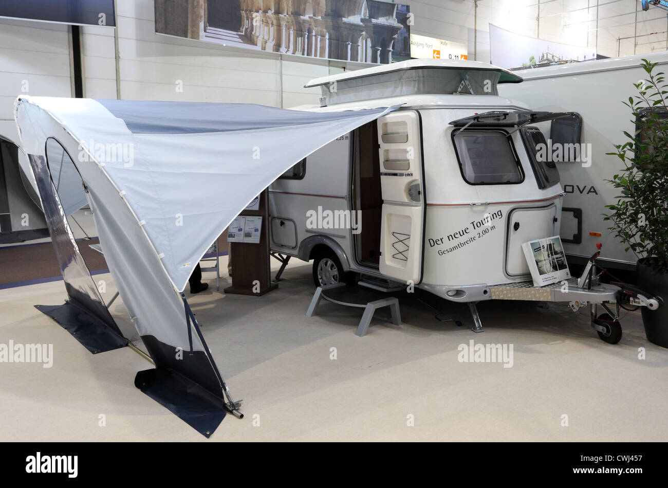 Hymer touring mobile home with elevating roof at the for Salon caravaning