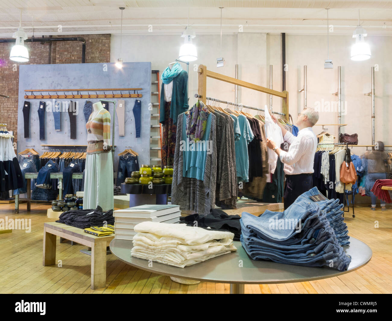 anthropologie store interior soho nyc stock photo 50244717 alamy. Black Bedroom Furniture Sets. Home Design Ideas