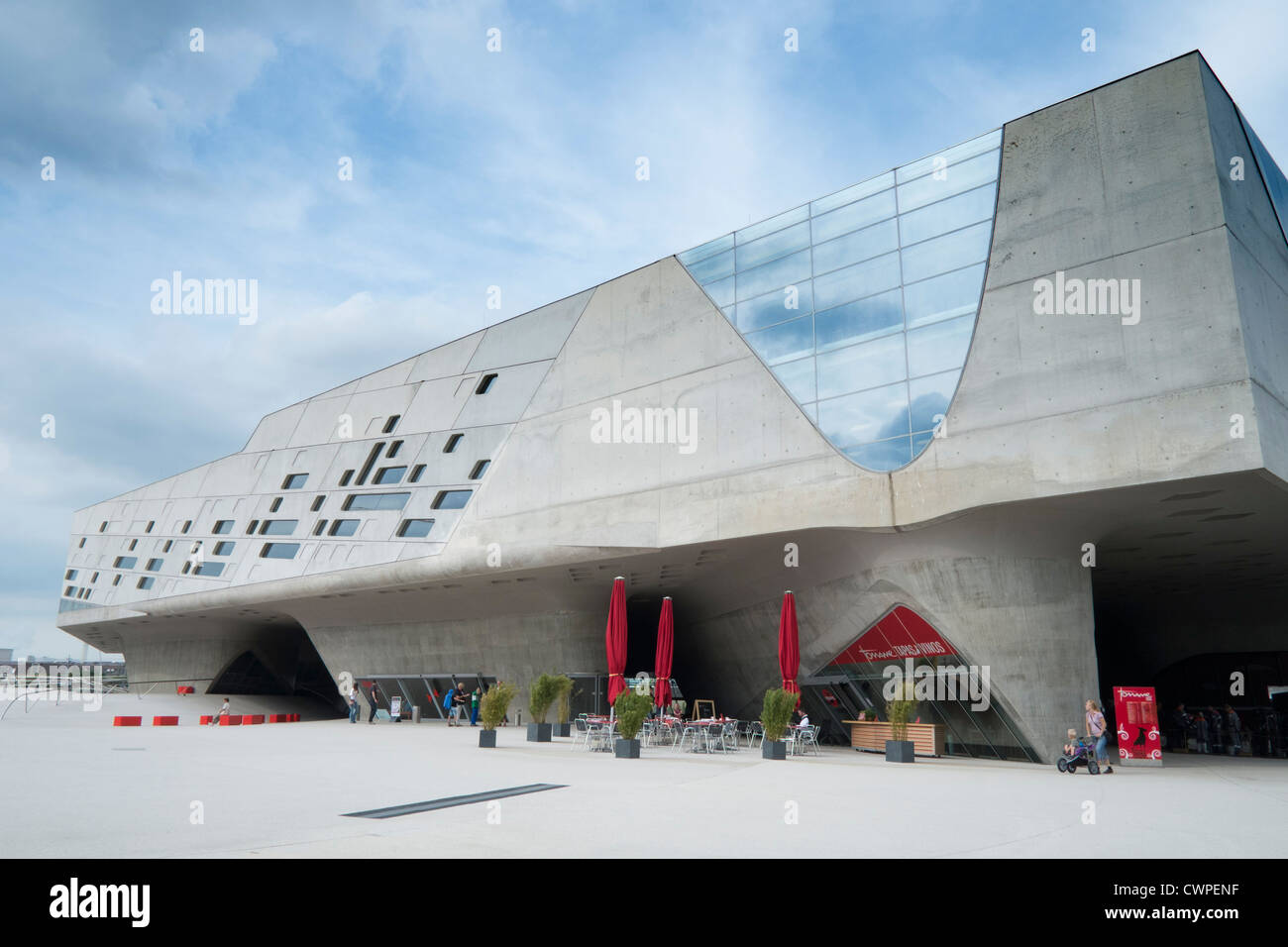 phaeno science center in wolfsburg germany architect zaha hadid stock photo 50281659 alamy. Black Bedroom Furniture Sets. Home Design Ideas
