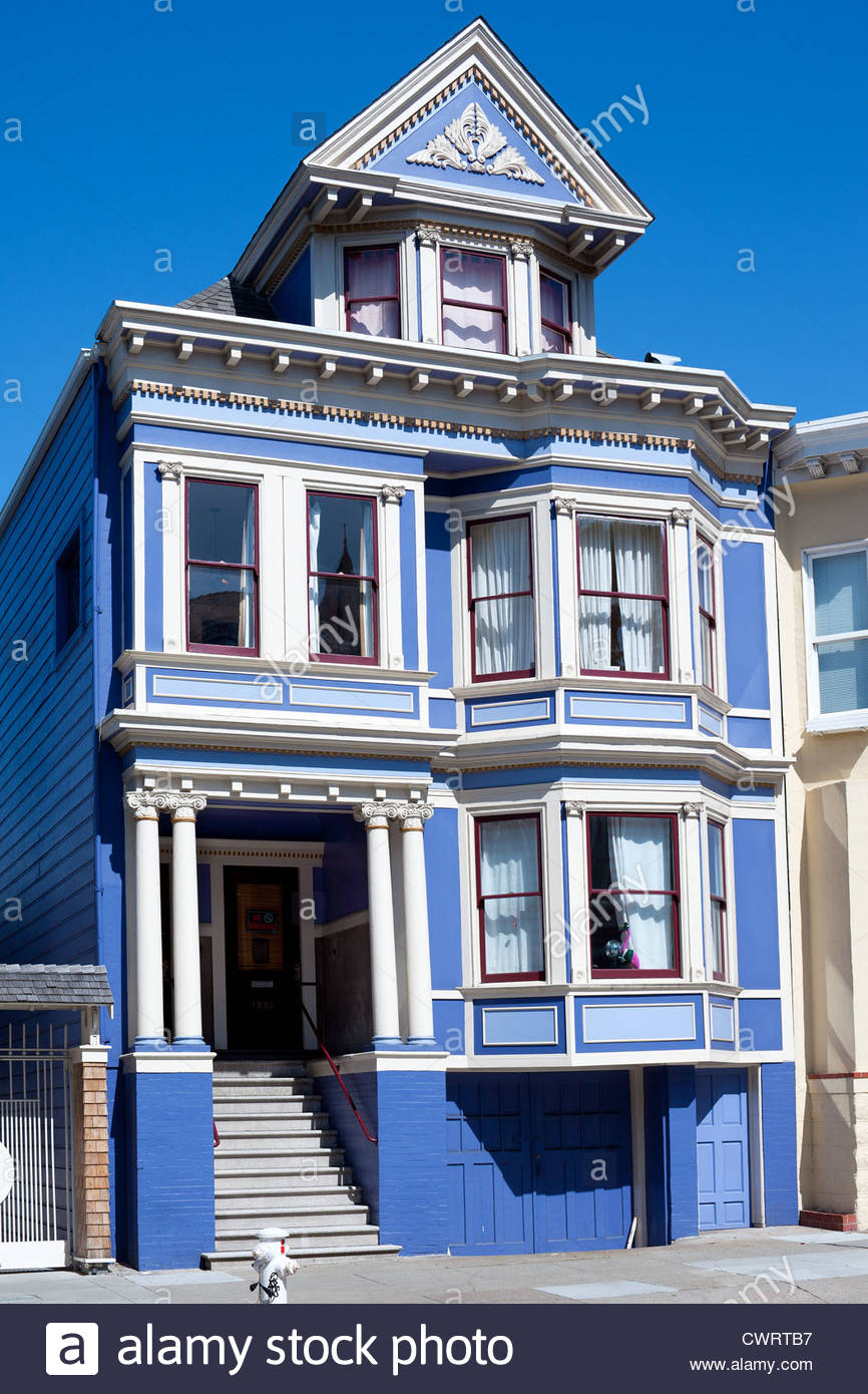 Traditional victorian house at haight ashbury neighborhood for Victorian traditional homes