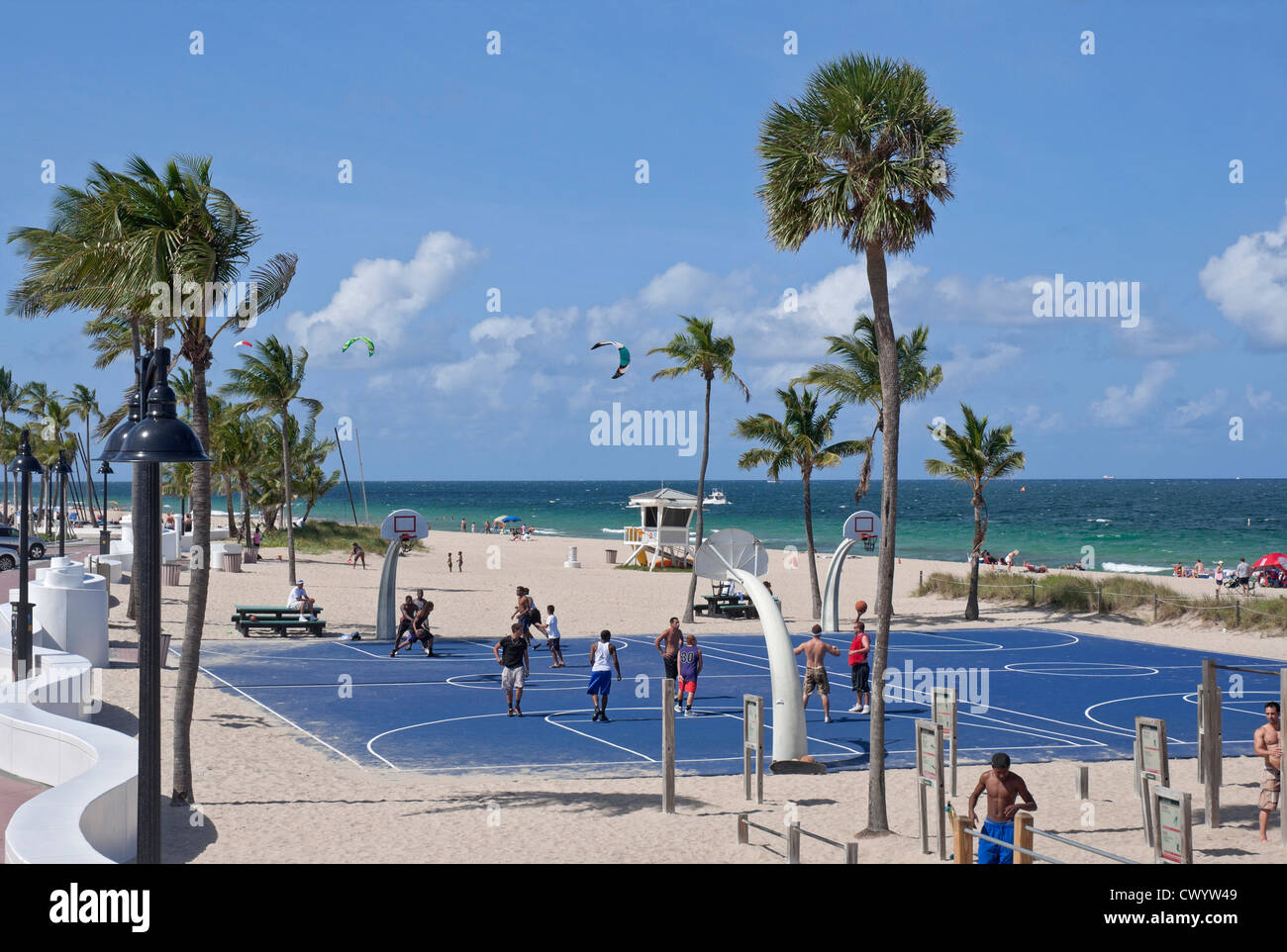 Ft Lauderdale Beach Florida and it's popular South Beach Park Stock Photo: 50399561 - Alamy
