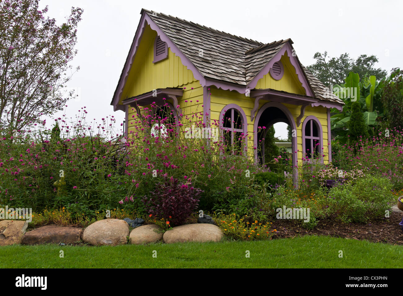 Victorian style house pictures small