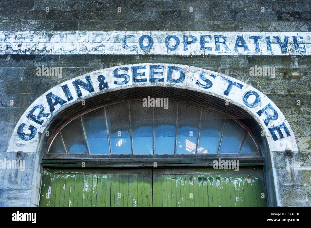 Sign above warehouse door Co-operative grain and seed store Harbour Street Oamaru Otago New Zealand. & Sign above warehouse door Co-operative grain and seed store ... pezcame.com