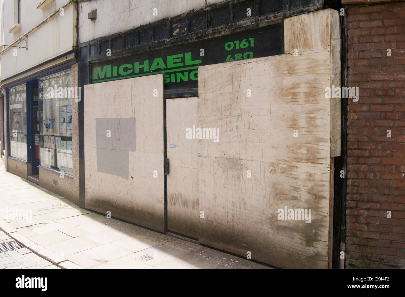 boarded up shop shops retail unit units out of business close down stock photo 50493158 alamy. Black Bedroom Furniture Sets. Home Design Ideas