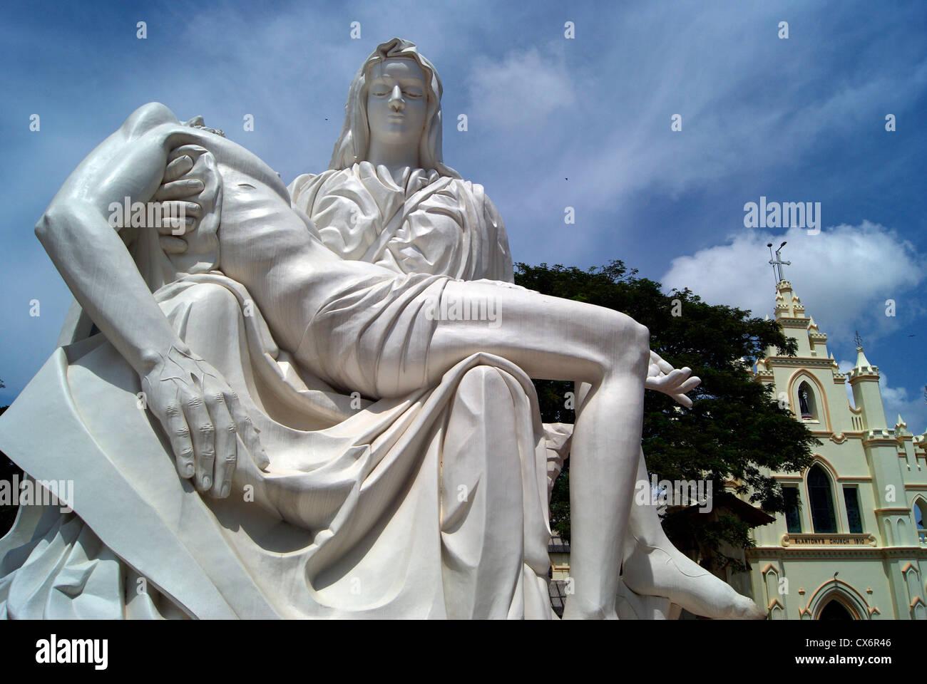 Bildresultat för jesus christ statue michelangelo