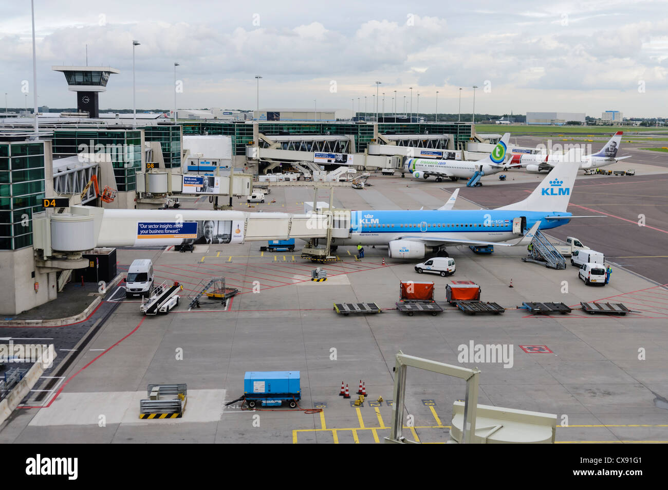 how to get to amsterdam airport