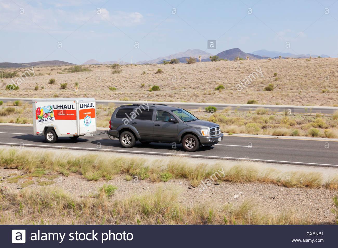 Suv Towing U Haul Trailer I Southeast Arizona Driver Visible