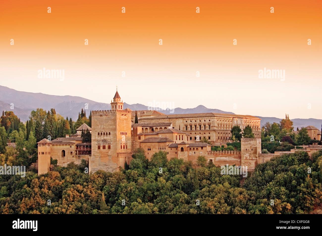 Sunset Alhambra from Mirador de San Nicolas Granada ...
