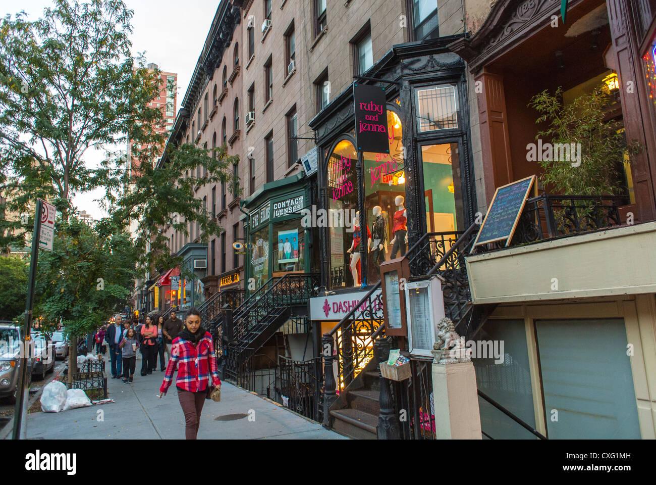 New york city ny usa brooklyn heights street scenes for Buy apartment brooklyn ny