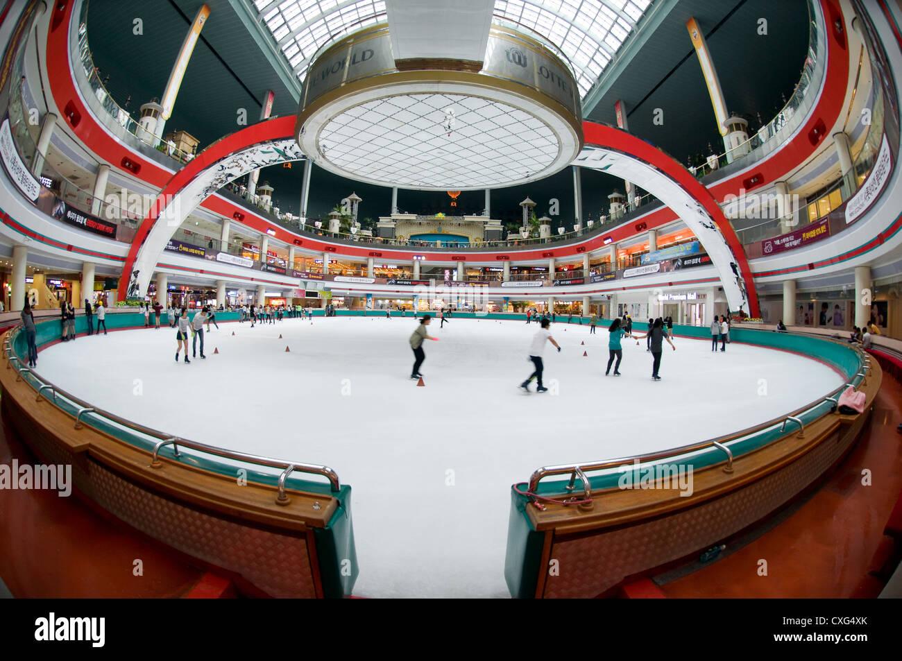 Roller skating rink jakarta - Lotto World Indoor Ice Skating Rink Seoul Korea Stock Image