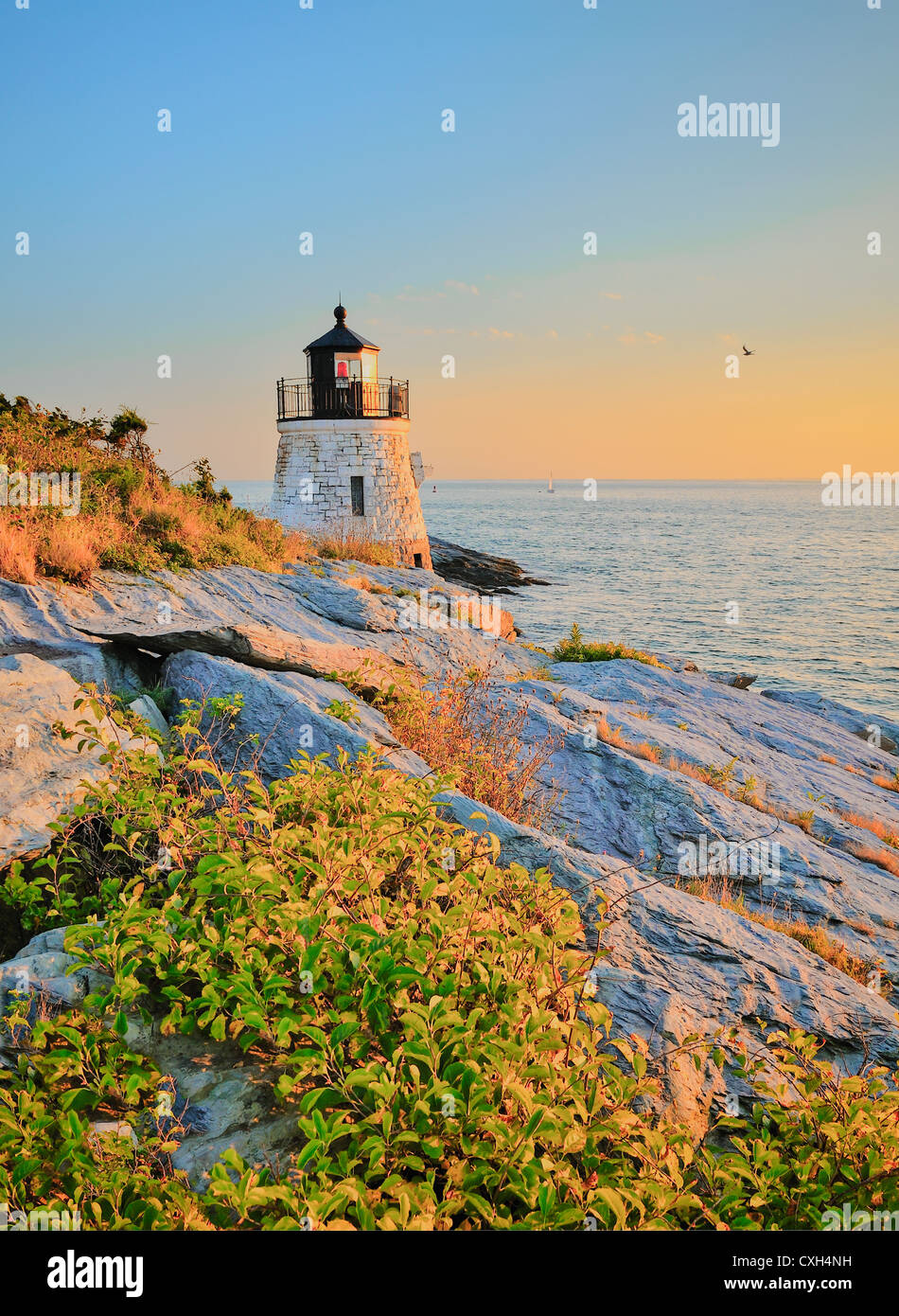 castle-hill-lighthouse-light-house-at-tw