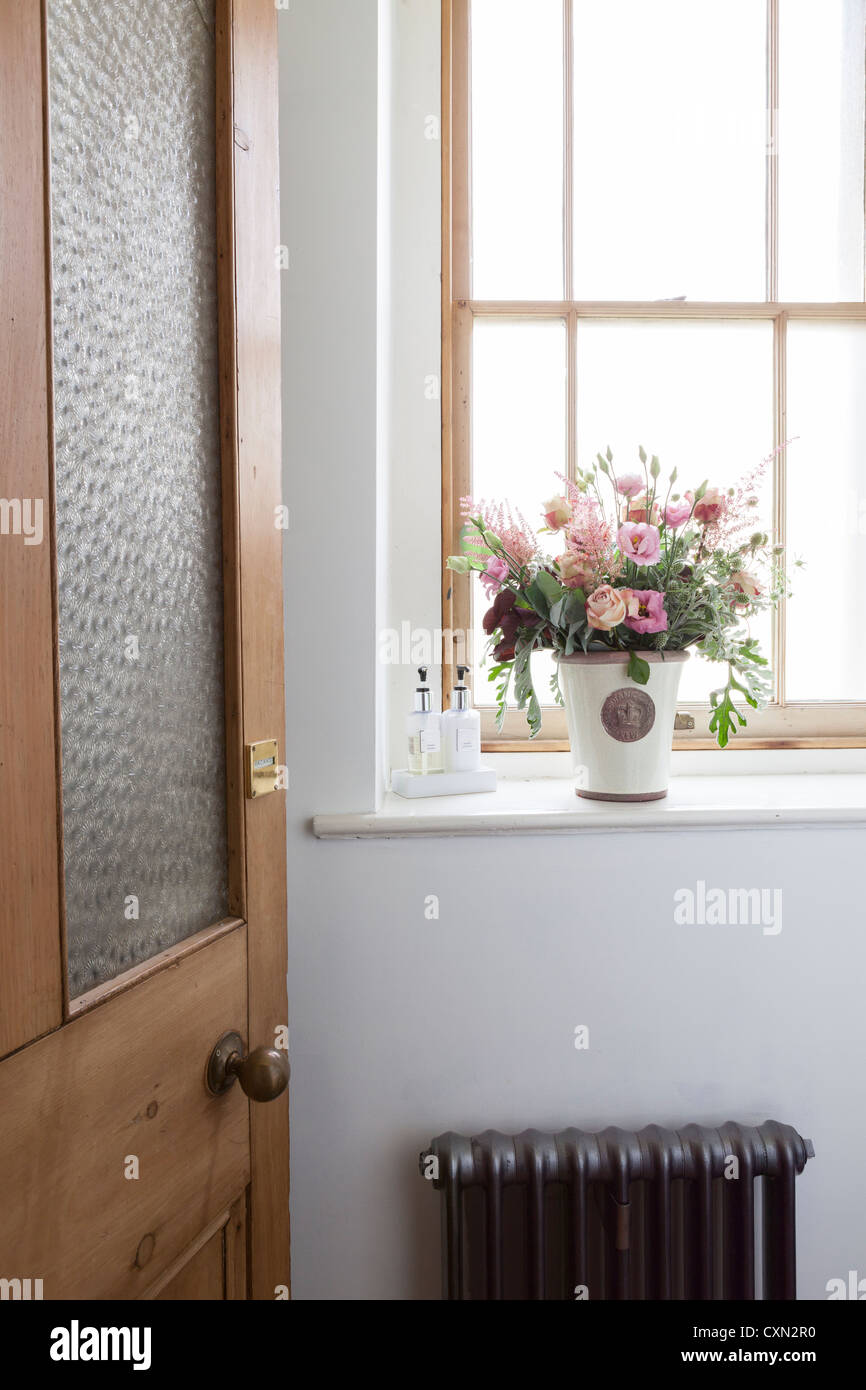 church window flower arrangements - Google Search   Flowers ...
