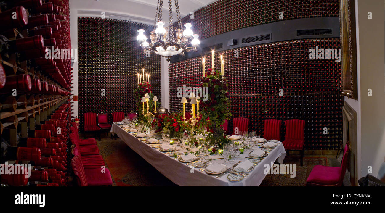 The Private Dining Room At Annabelu0027s Club In London, UK