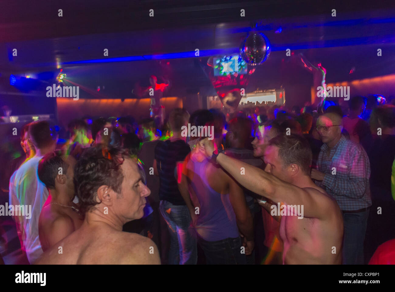 gay dance club manhattan