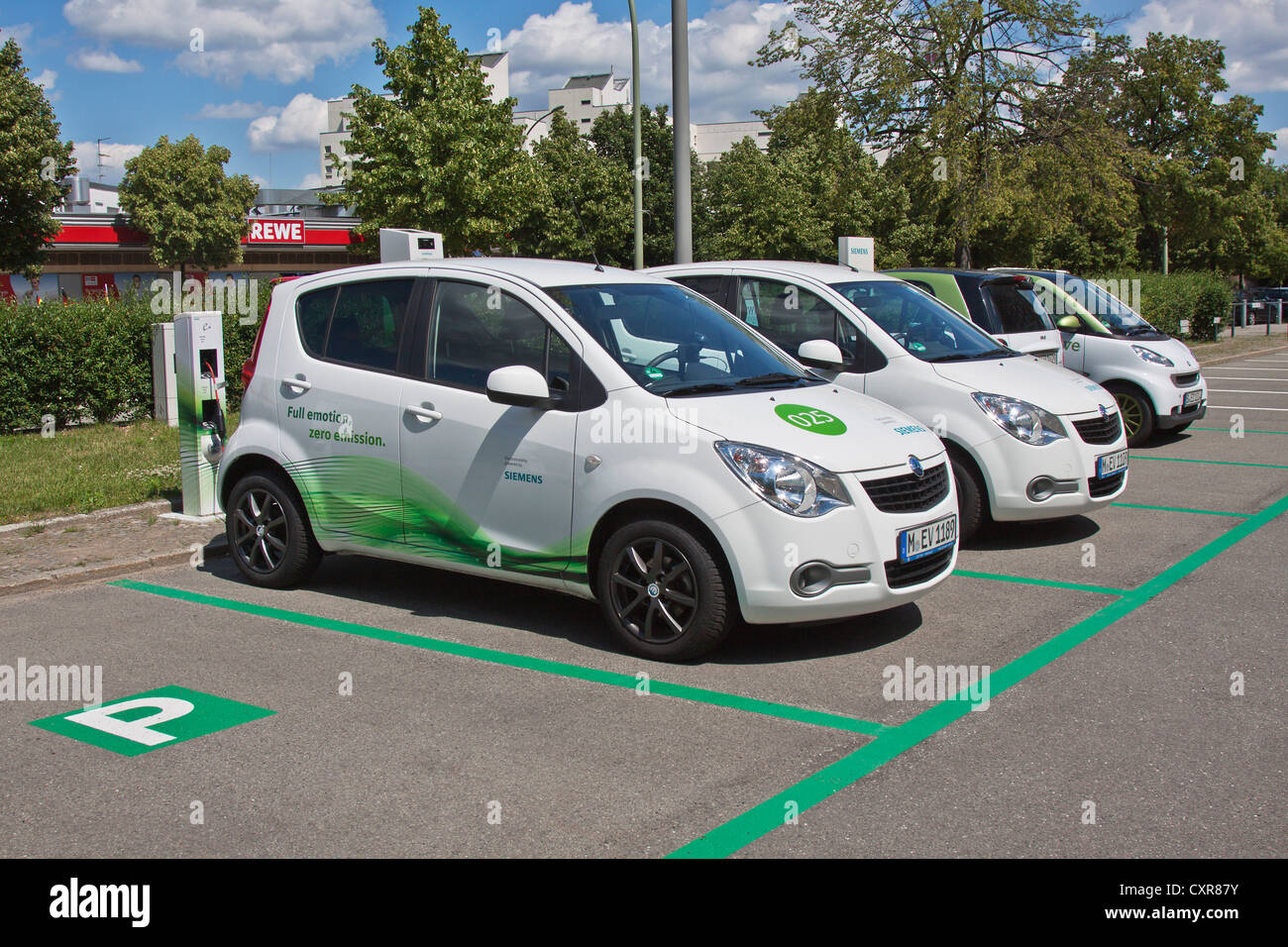 Electric Car Siemens Fuel Station Charging Station Rwe Car