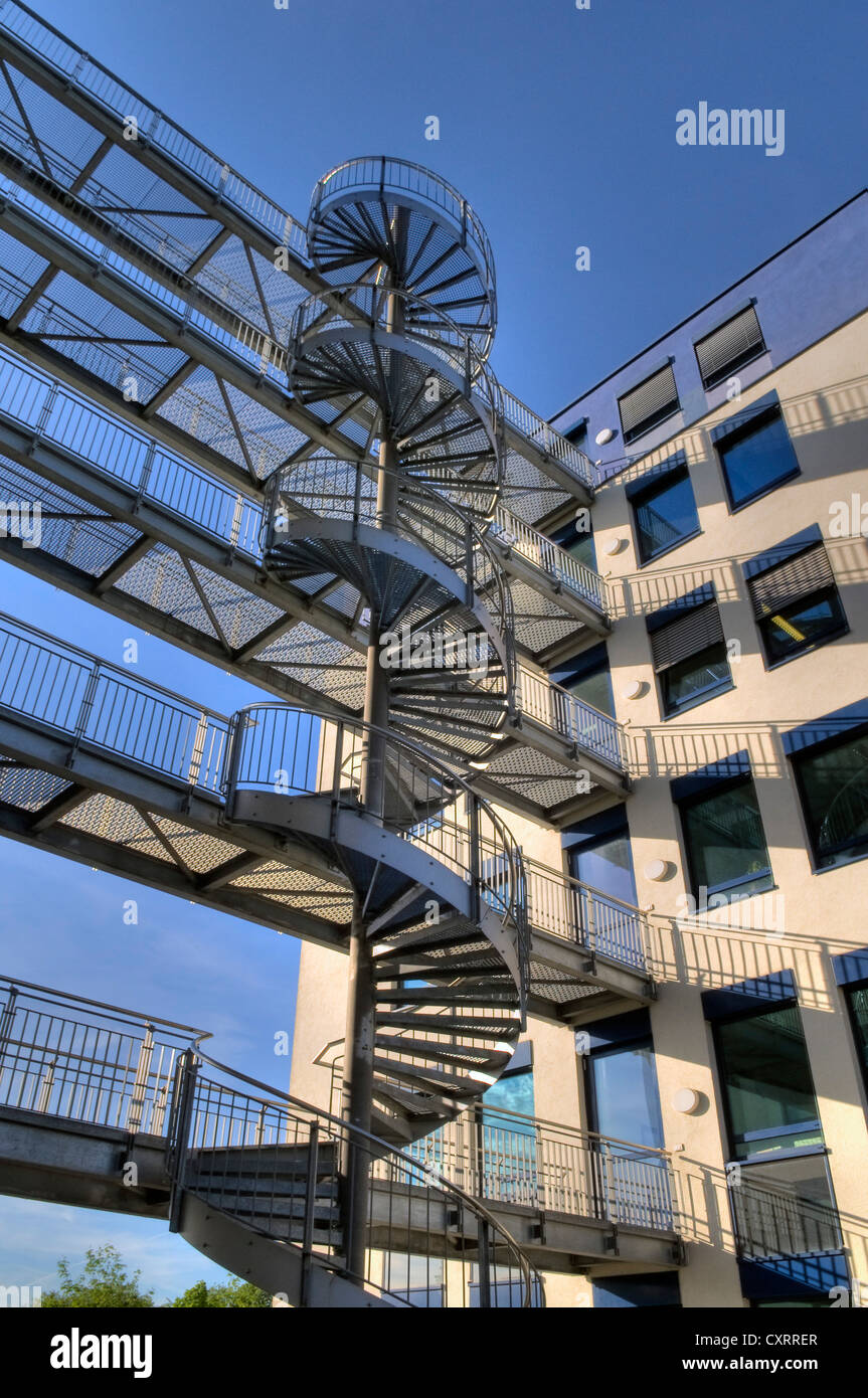 Modern office building architecture with a steel spiral for Office building architecture