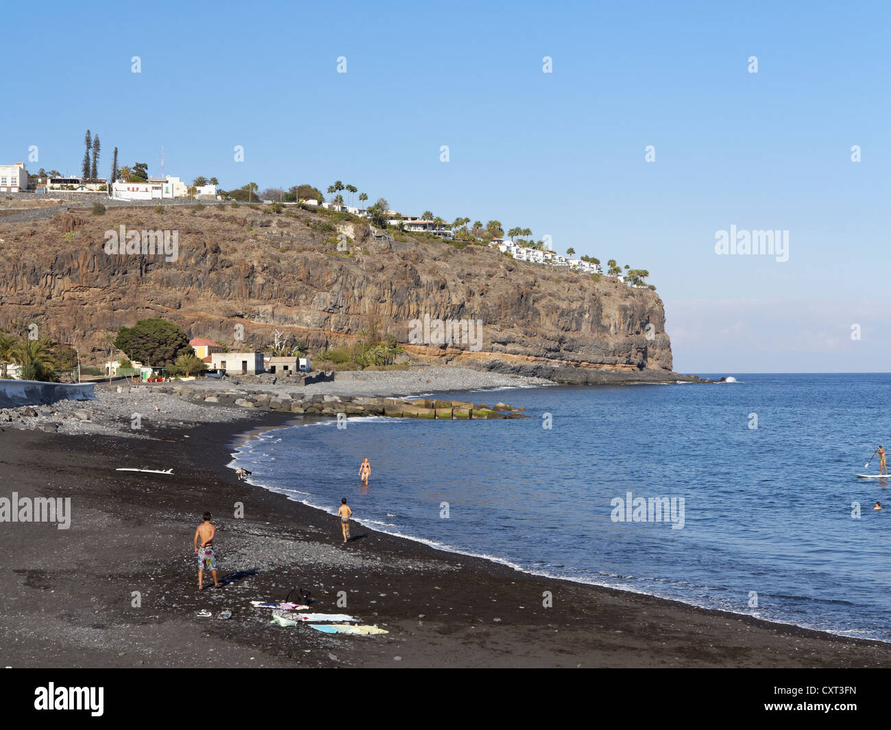Beach with the hotel jardin tecina on the cliffs playa de for Hotel tecina jardin la gomera
