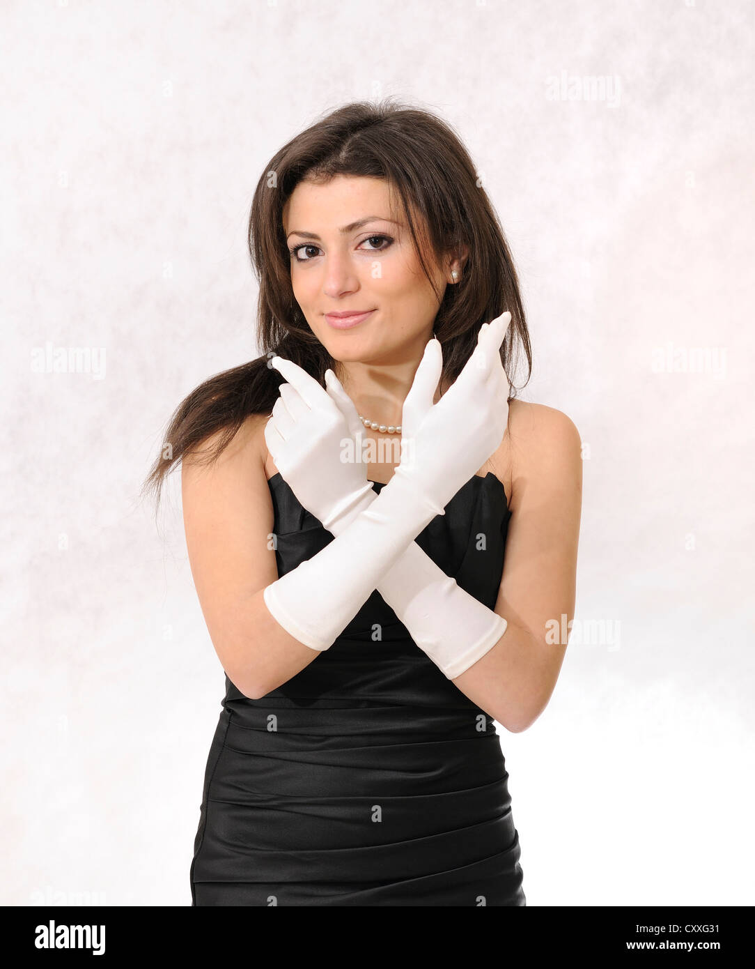 Darkhaired beauty in leather pants bostero 10