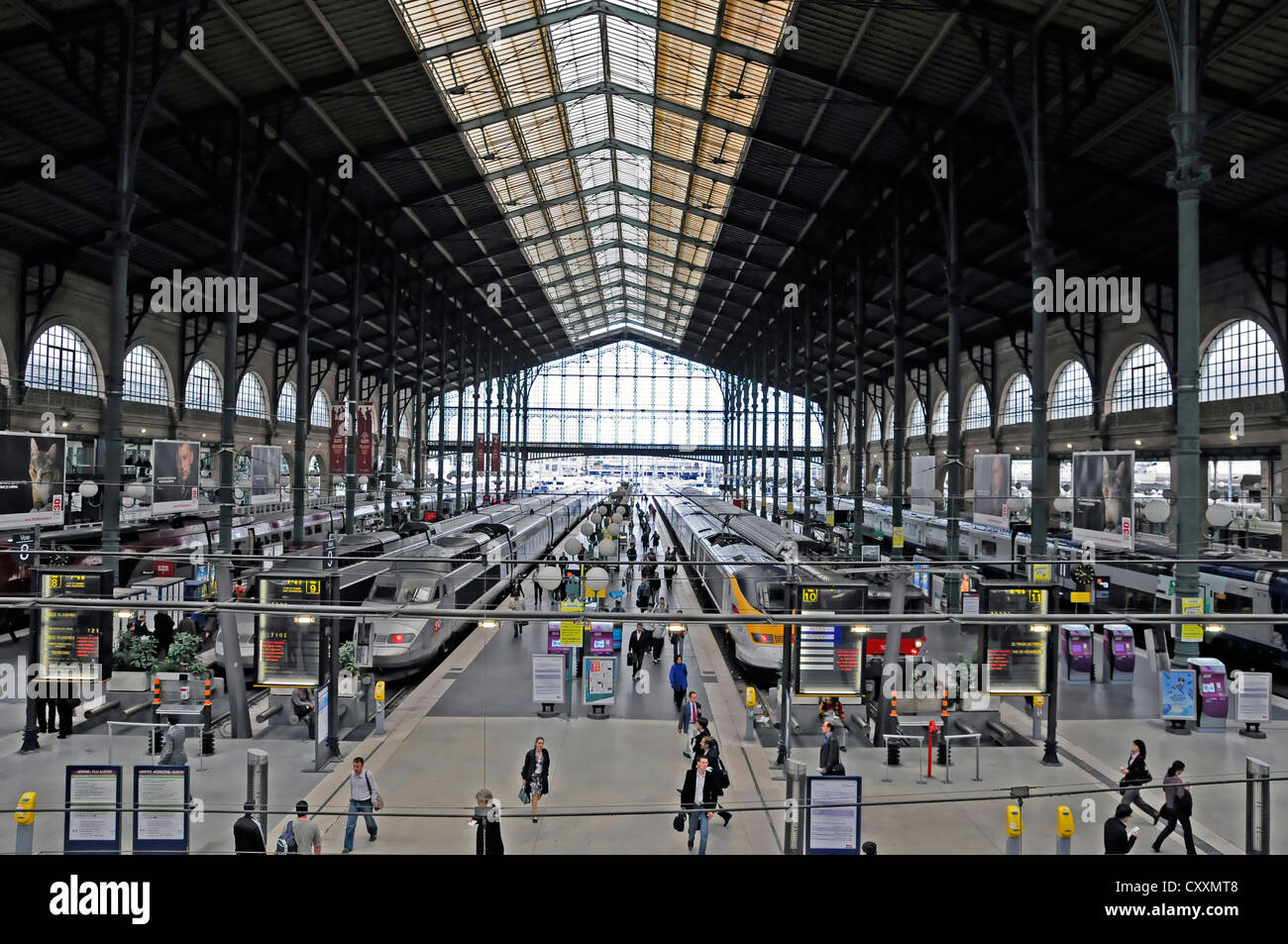 station hall gare du nord train station north station paris stock photo royalty free image. Black Bedroom Furniture Sets. Home Design Ideas