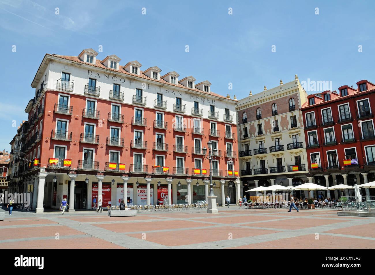 Plaza mayor square banco de santander bank building for Oficina banco santander valladolid