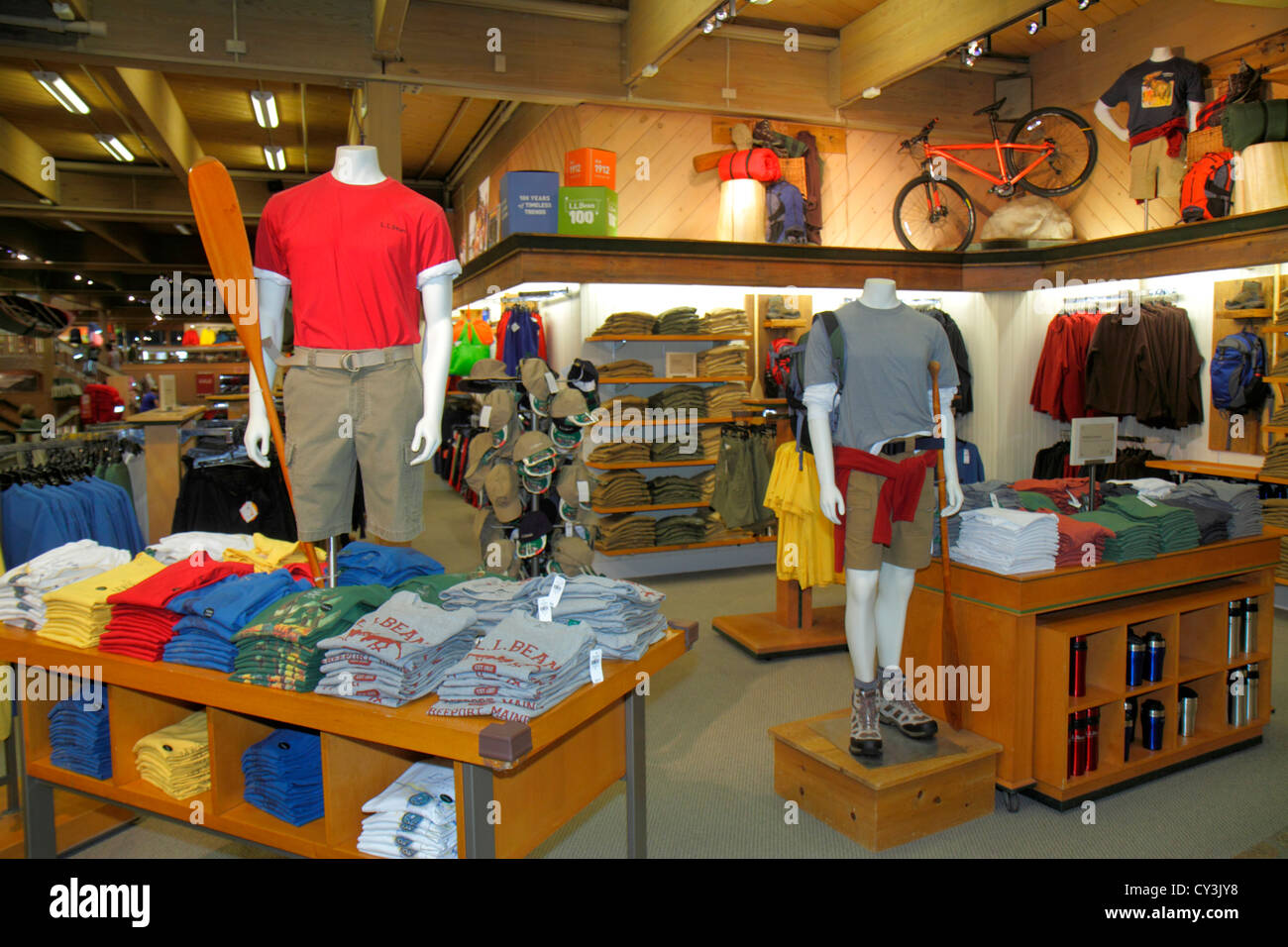 Outdoor clothing online outlet