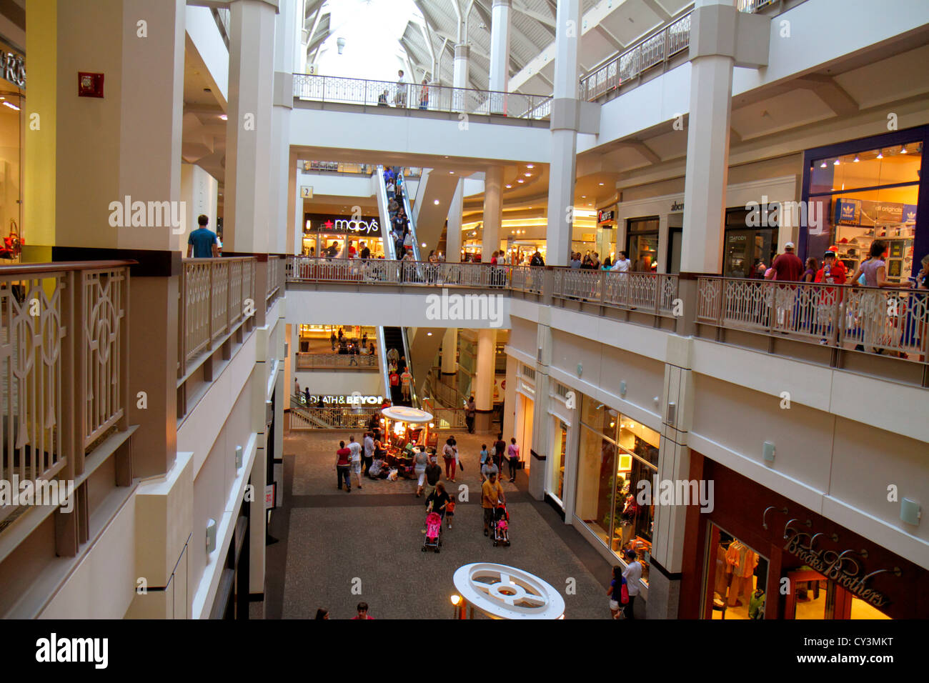 Providence Place Mall is located in Providence, Rhode Island and offers stores - Scroll down for Providence Place Mall shopping information: store list (directory), locations, mall 4/4(17).