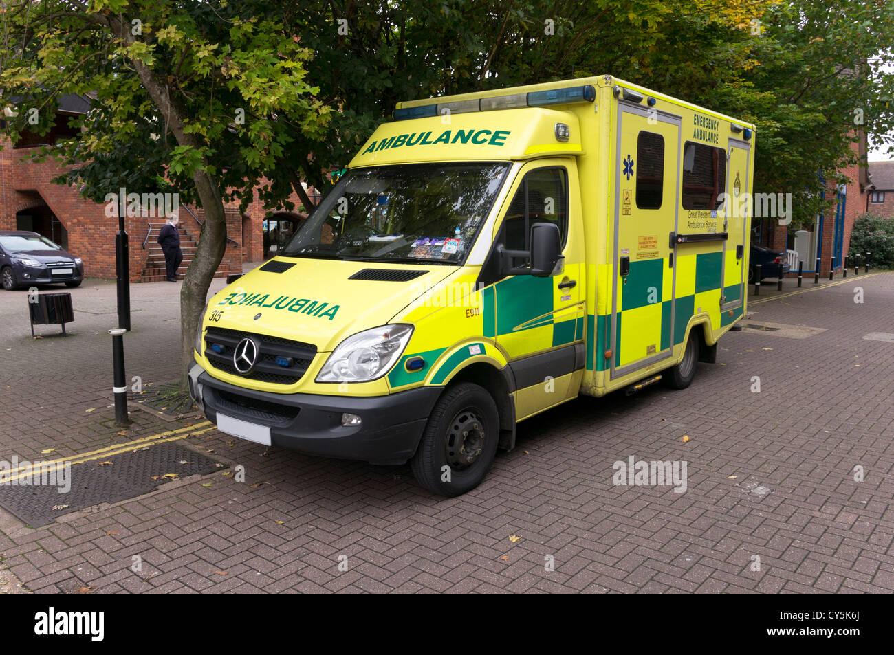 Mercedes ambulance emergency response vehicle parked uk for Mercedes benz emergency number