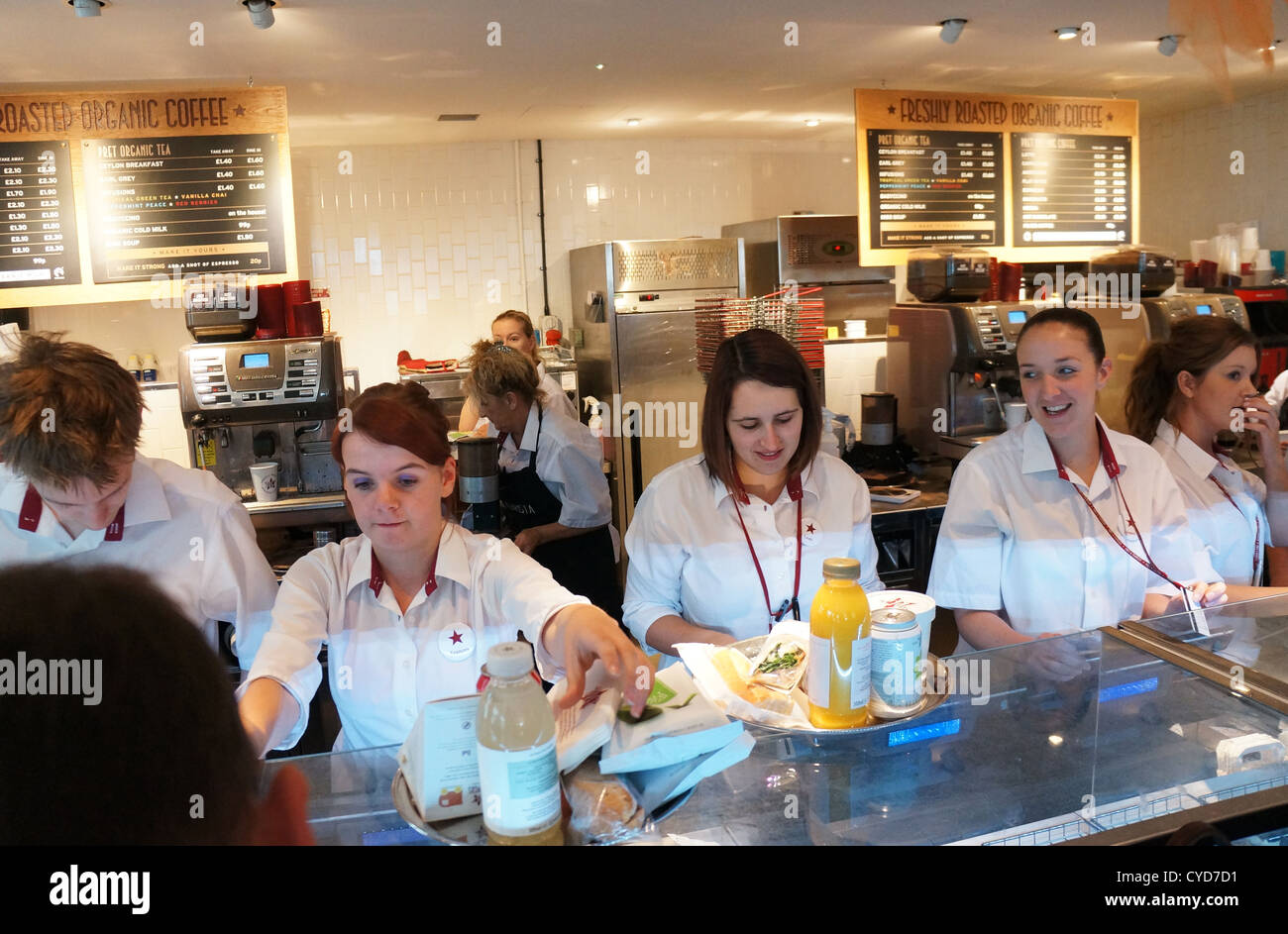Prêt À Manger Stock Photos amp Prêt À Manger Stock Images Alamy Staff Serving At Pret A Manger Sandwich Shop In Uk CYDD PrCAAt CA Manger