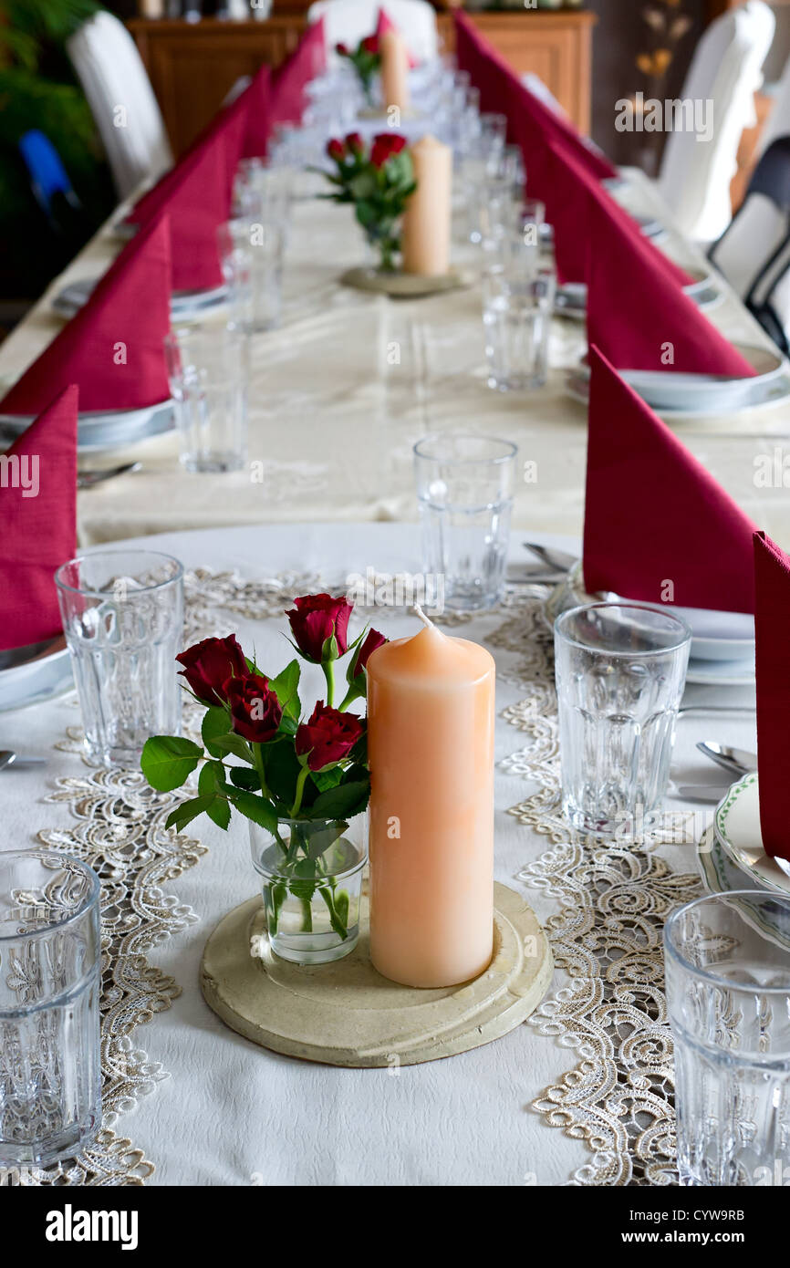 Banquet table setting themed with roses & Banquet table setting themed with roses Stock Photo Royalty Free ...