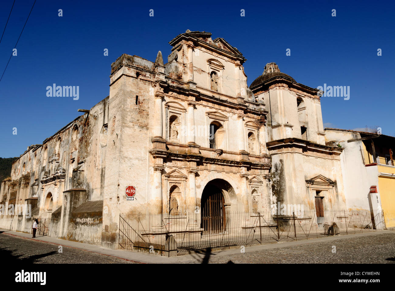 Famous For Its Well Preserved Spanish Baroque Architecture As A Number Of Ruins From Earthquakes Antigua Guatemala Is UNESCO World Heritage Site