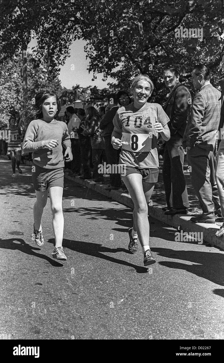 New york usa 11th nov 2015 telephone bidders stand in front of the - Liz Franceschini 8 Competing In The 1972 New York City Marathon In Central