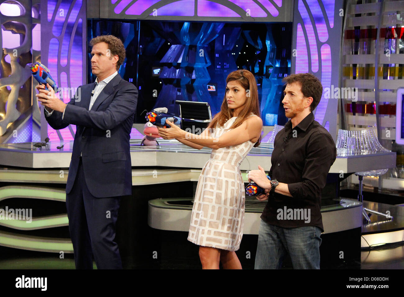 Eva Mendes and Will Ferrell on Spanish TV show, El Hormiguero ...