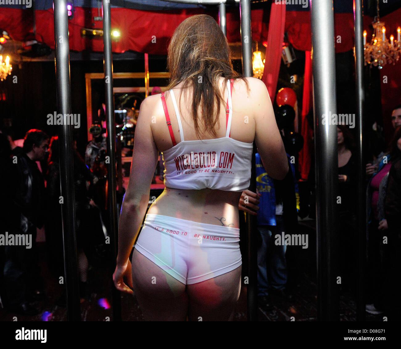 клубные секс шоу