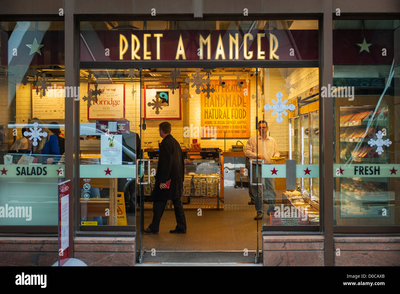 London City Pret a Manger fast food snack sandwich  : london city pret a manger fast food snack sandwich salad bar cafe D0CAXB from www.alamy.com size 1300 x 954 jpeg 216kB