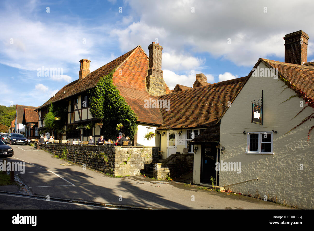 The crown inn chiddingfold surrey england uk gb rural england the crown inn chiddingfold surrey england uk gb rural england english great britain british countryside village country pub life sciox Image collections