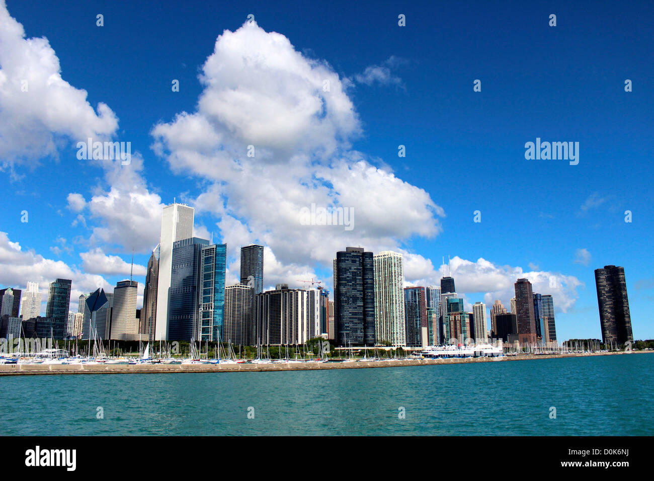 Downtown chicago illinois skyline view lake michigan for Chicago landscape