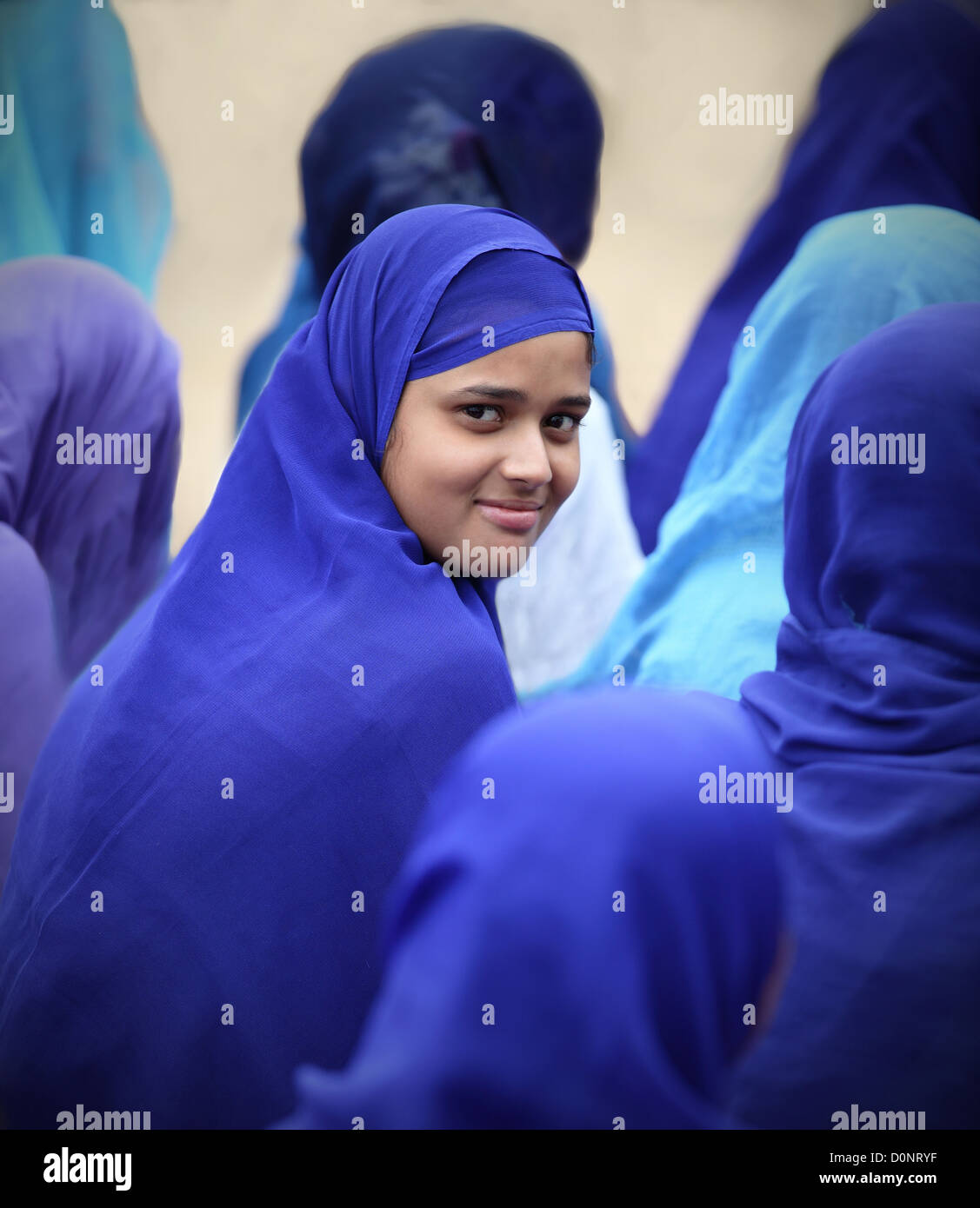 Muslim Girl Back Stock Photos & Muslim Girl Back Stock Images - Alamy