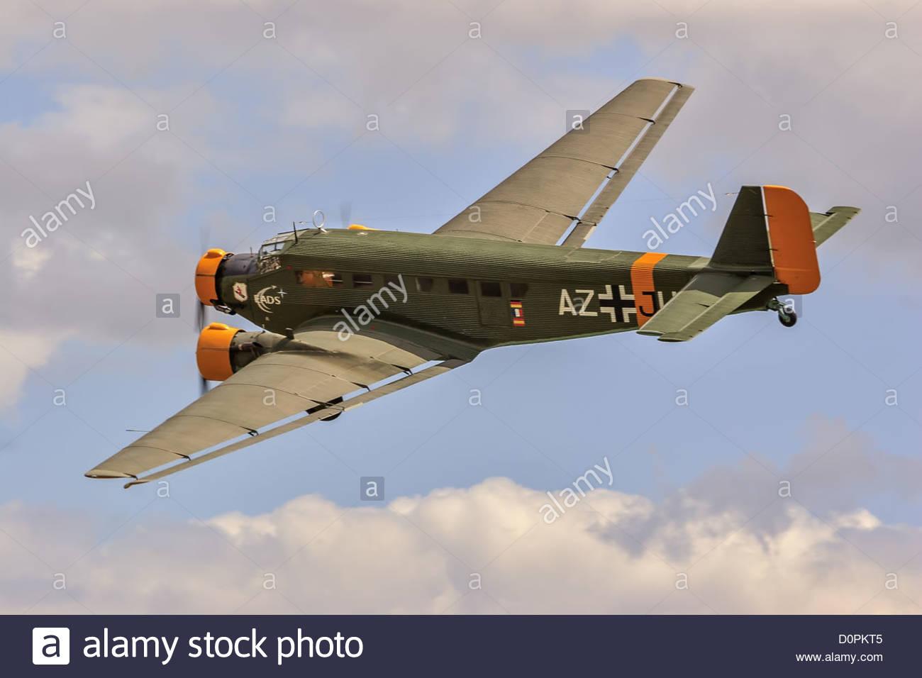 Junkers JU 52 - Orginal Sound - YouTube