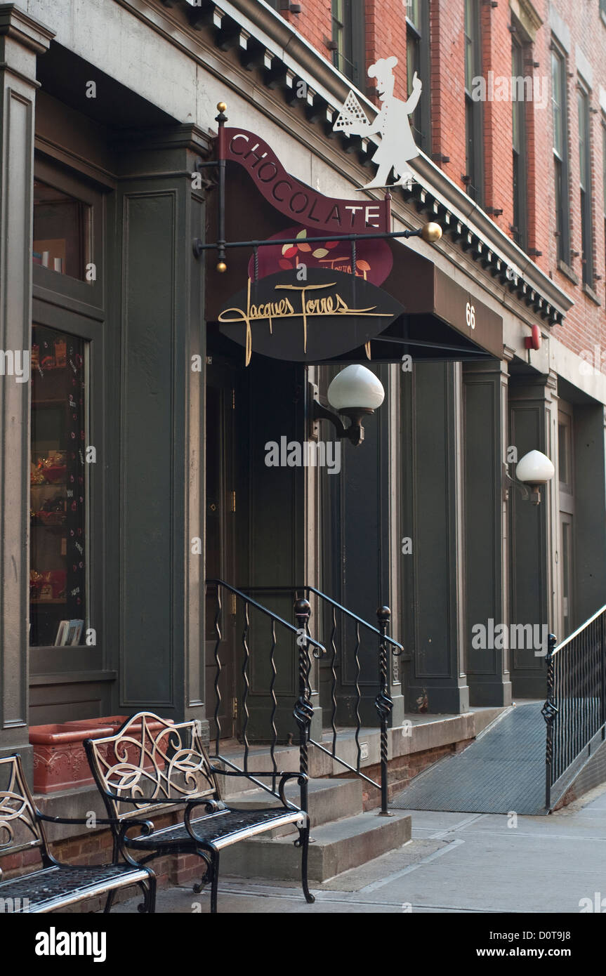 Jacques Torres chocolate shop in Dumbo, Brooklyn, NYC Stock Photo ...
