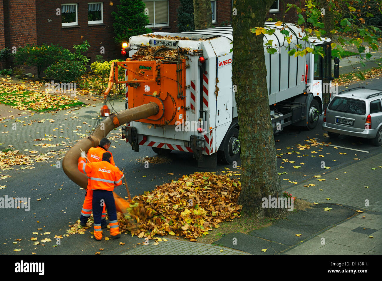 refuse management trash removal street cleaning garbage disposal refuse collector dustcart road sweeper foliage disposal vacuum cleaner leaf vacuum - Garbage Disposal Cleaner