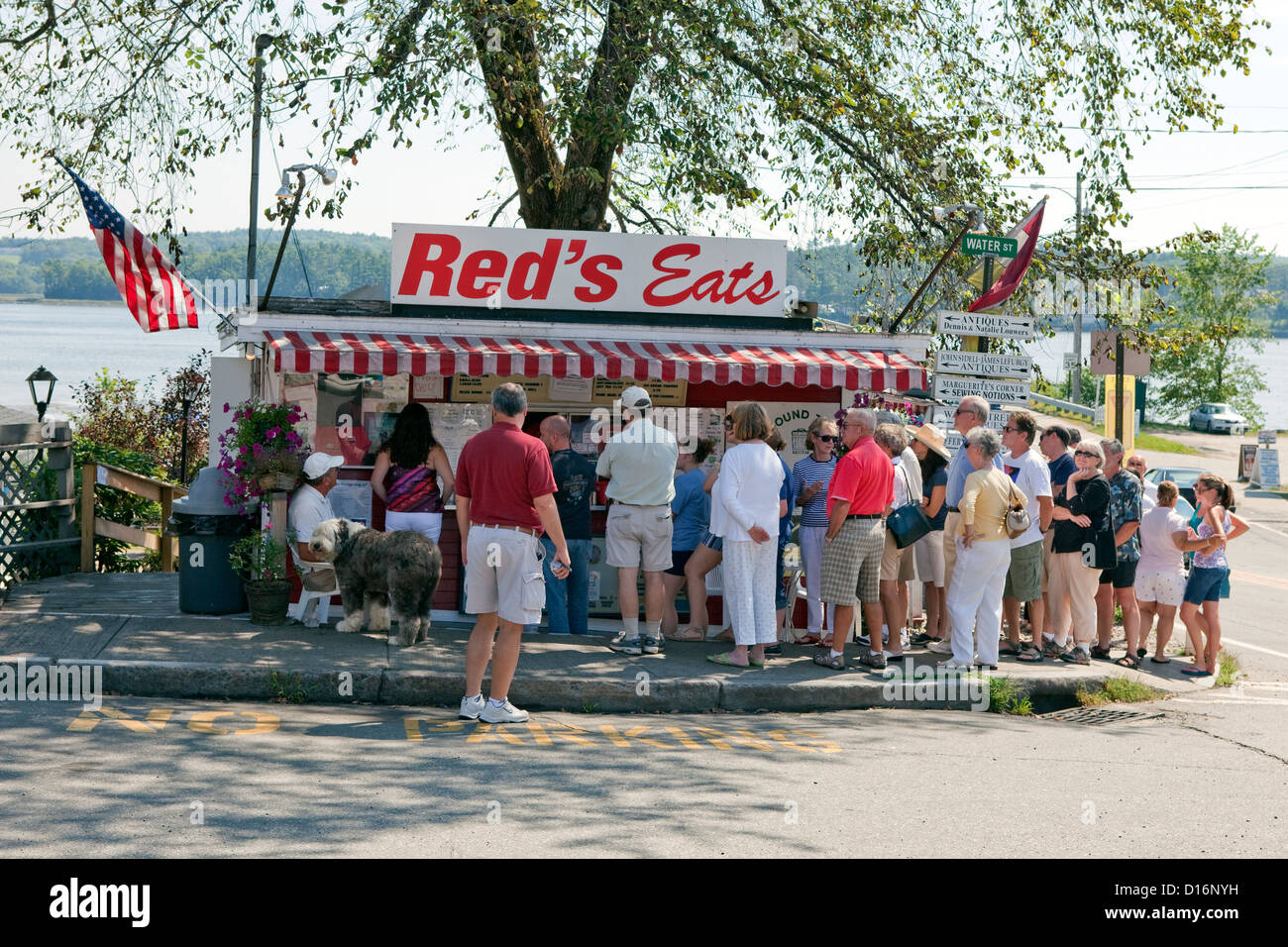 Red's Eats in Wiscasset, Maine Stock Photo: 52394709 - Alamy
