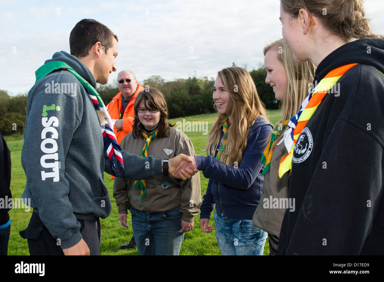 chief scout bear grylls meeting welsh girl and boy scouts