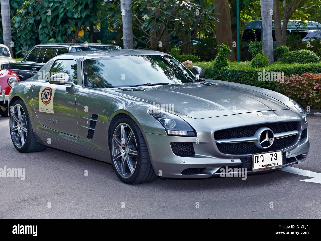Mercedes benz 300 sl gullwing 6 3 litre supercar thailand for Mercedes benz thailand