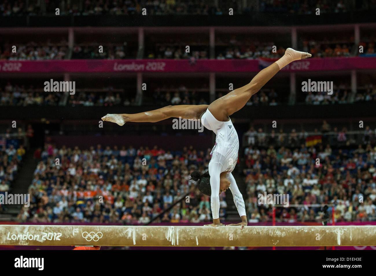 Gymnastics gabby douglas beam