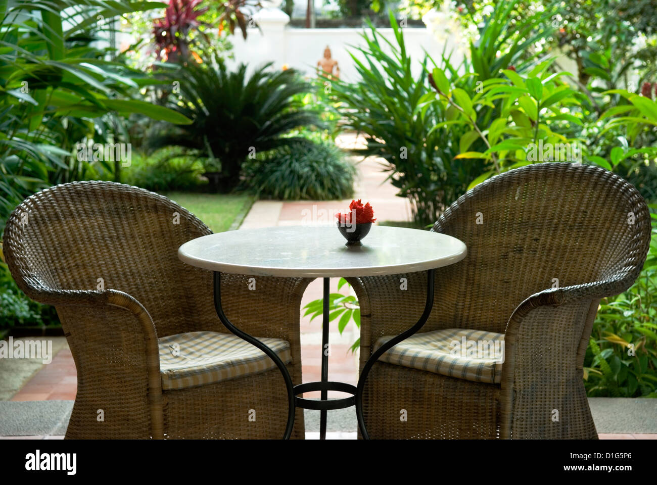 Terrace table and chairs in hotel kochi cochin kerala for Outdoor furniture india