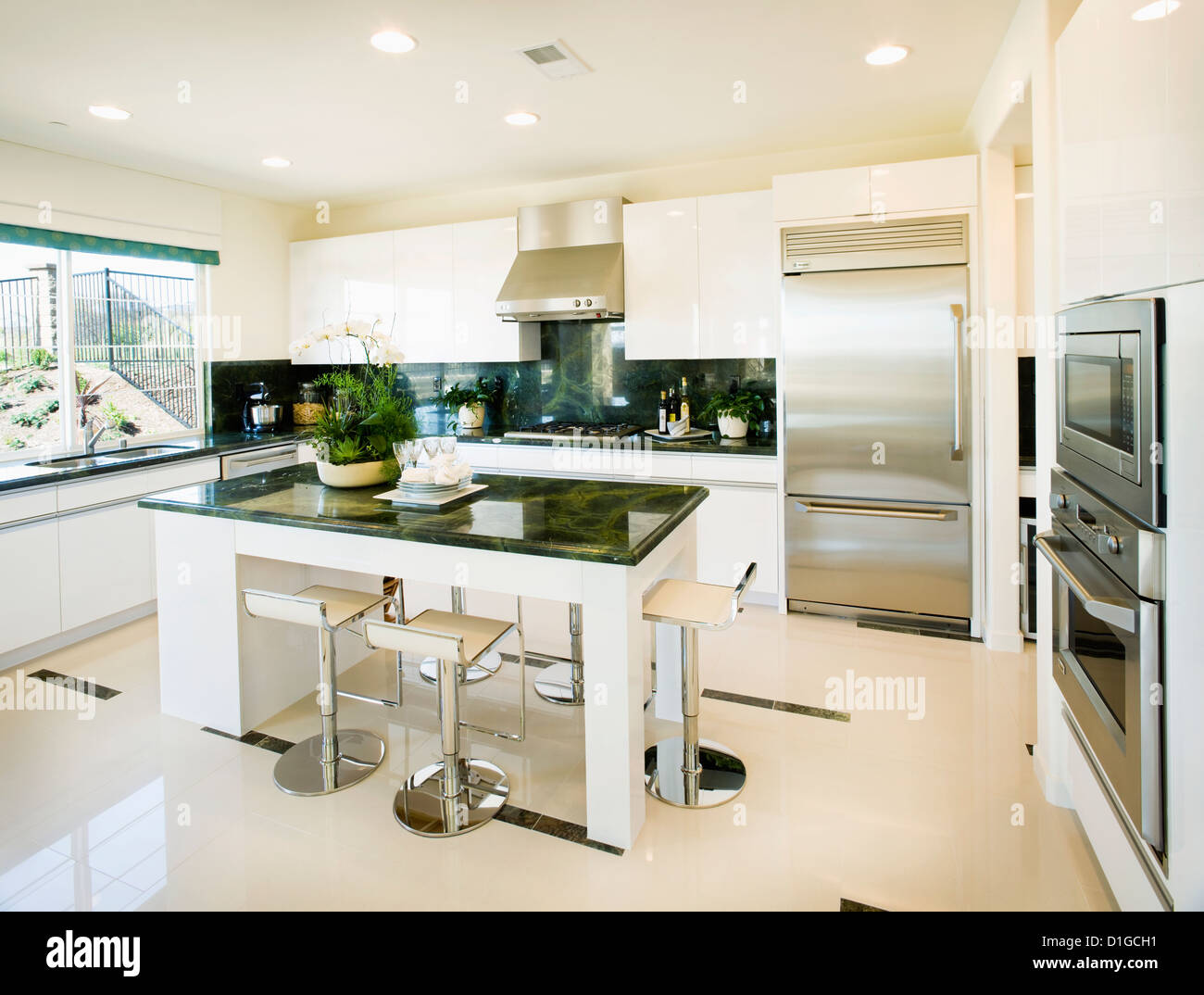 New House Ugly Kitchen Any Cost Effective Ideas For Sprucing It Up A Bit Designmyroom