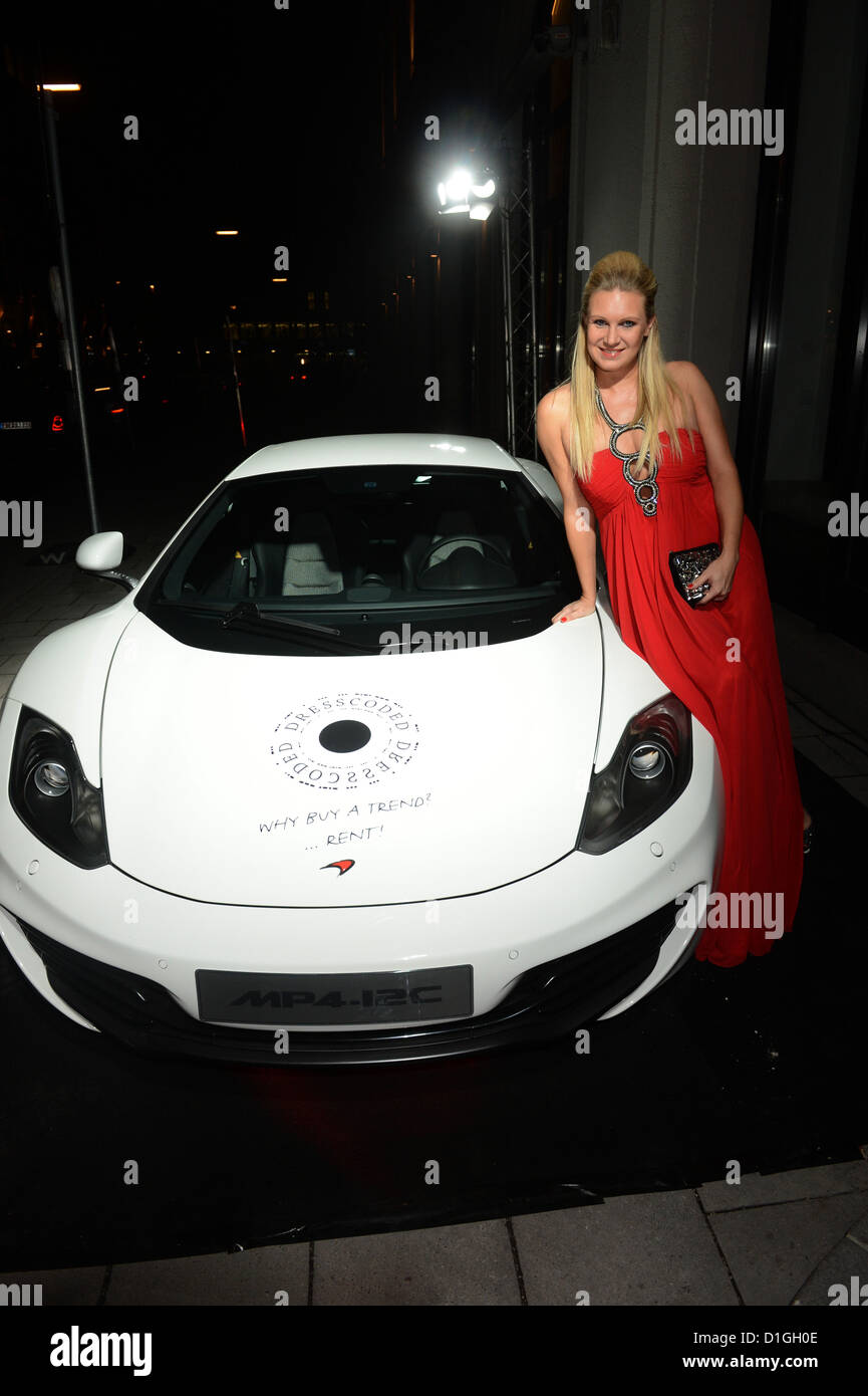 photo of Magdalena Brzeska McLaren MP4-12G  - car